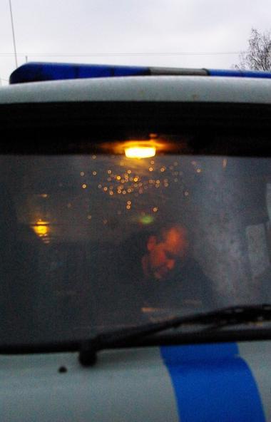 В Коркино (Челябинская область) 15-летний школьник напал на водителя такси Uber и уехал на его ма
