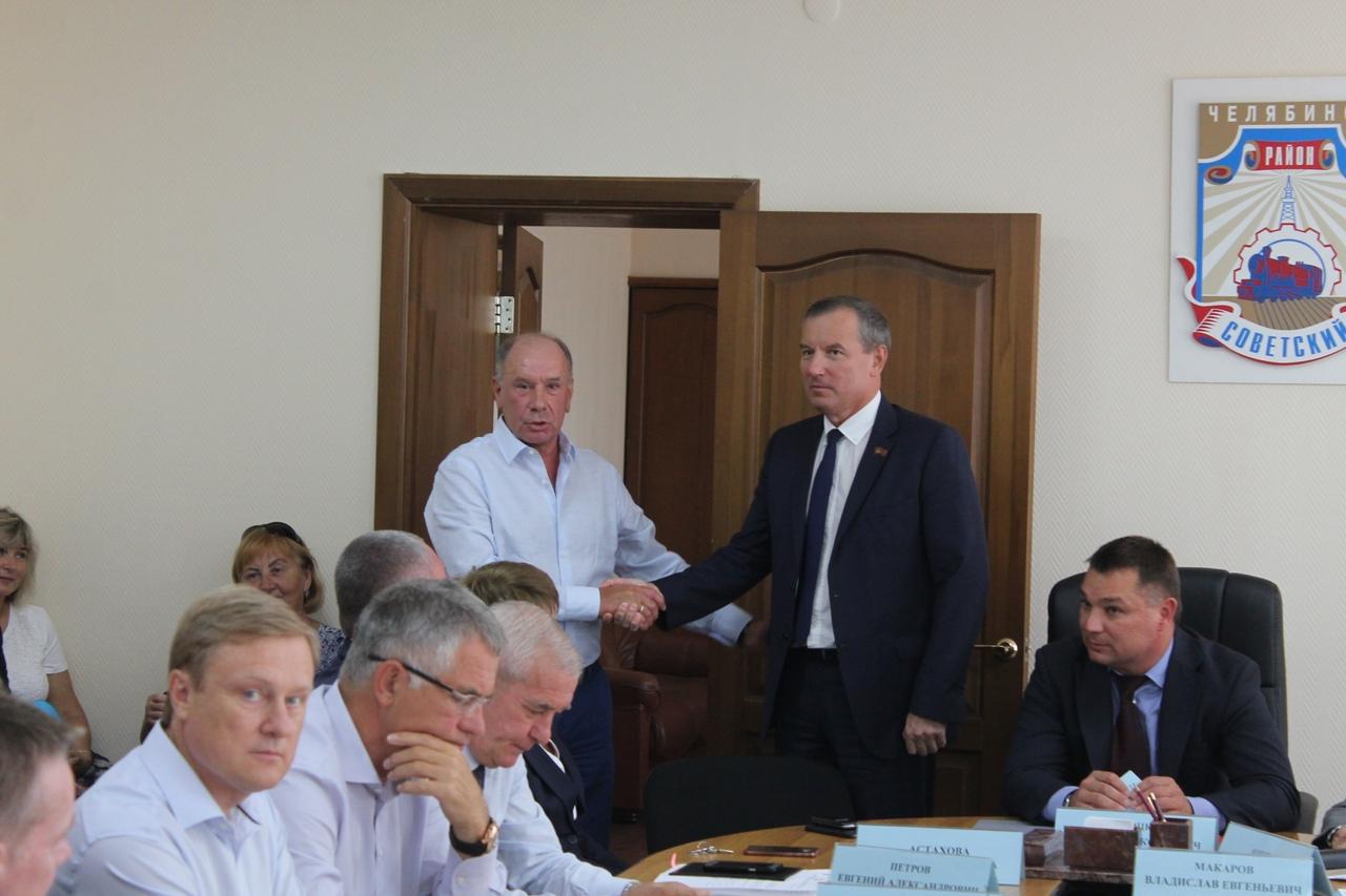Главой Советского района Челябинска единогласно избран 51-летний Владислав Макаров. До настоящего