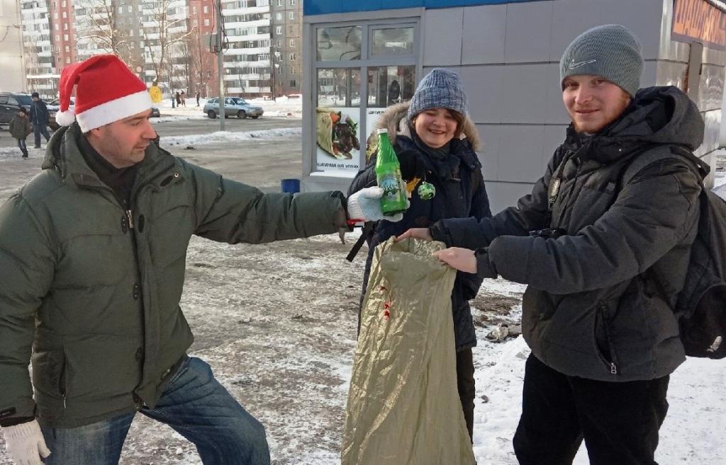 Активисты движения «Челябинские чистомэны» в этот вторник, 1 января, вышли на уборку городского п