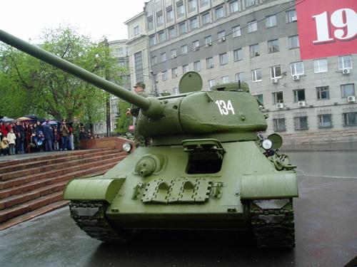 Как сообщили агентству «Урал-пресс-информ» в управлении информации ООО «ЧТЗ-Уралтрак», машину, вы
