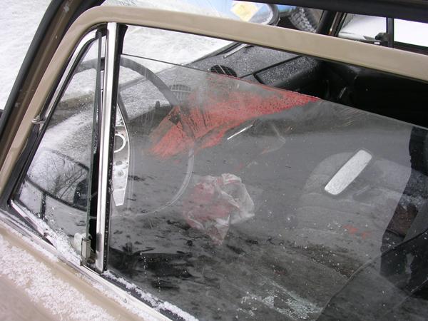 На перекрестке улиц Братьев Кашириных и Кразнознаменной 34-летний водитель автомобиля «Субару» со