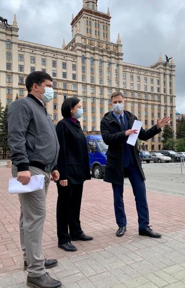 В Челябинске центральным украшением клумб сквера на Тернопольской станут сортовые тюльпаны. Высаж
