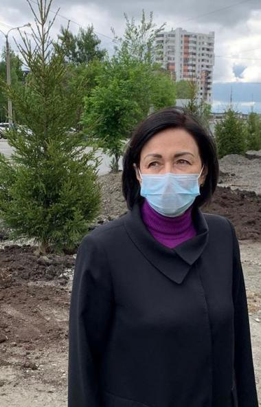 На пяти улицах Челябинска подрядчик в настоящее время высаживает крупномерные деревья. Это проспе