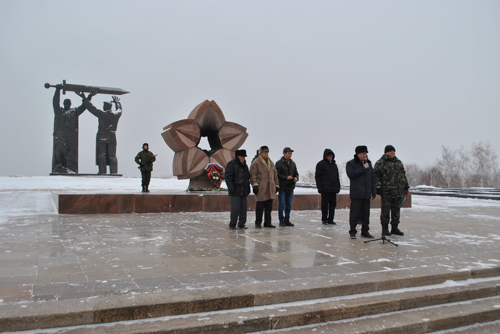 Участников митинга приветствовали заместитель главы города Вадим Чуприн, депутаты МГСД Вадим Иван