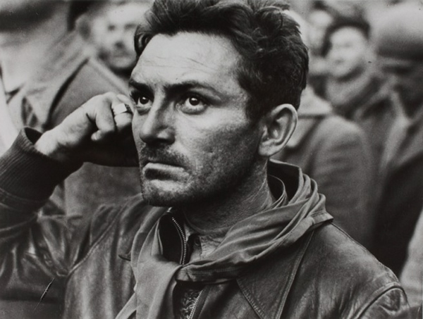 Открытый показ документального фильма «Послевоенная история: 60 лет в фотографиях», выпущенного в