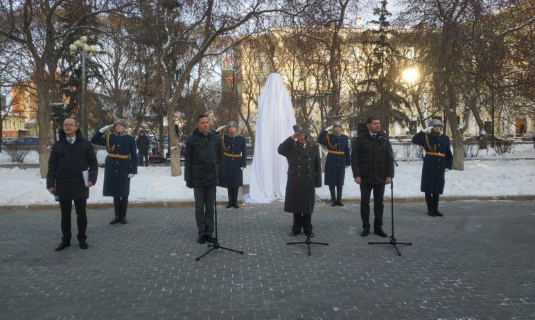 Сегодня, 29 декабря, в Челябинске на Бульваре Славы состоялось торжественное открытие бюста Никол