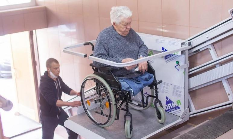В Челябинске суд встал на сторону 81-летнего инвалида Ильяза Зинурова, у которого нет обеих ног и