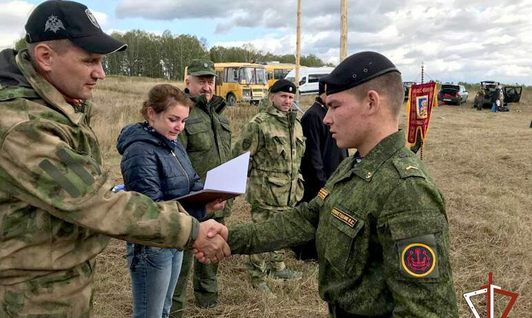 В Златоусте (Челябинская область) ветераны СОБР провели военизированную эстафету, посвященную 800