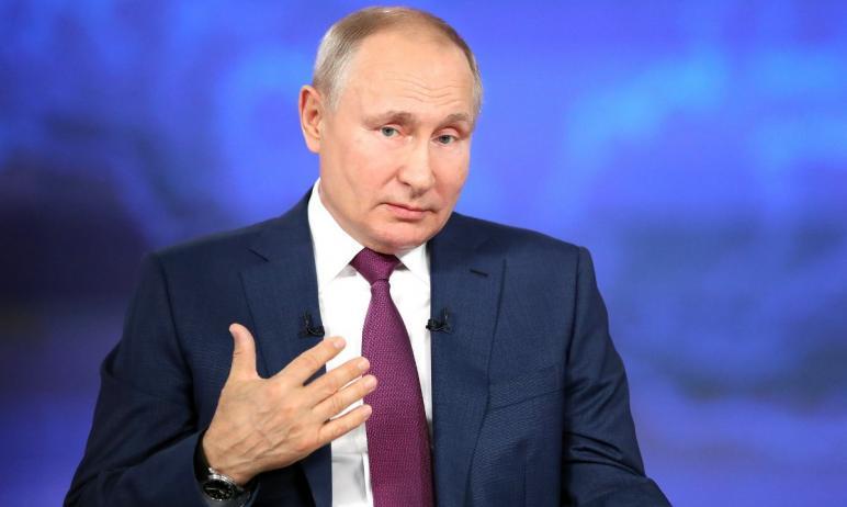 Президент Российской Федерации Владимир Путин посоветовал всем заболевшим также прививаться от ко