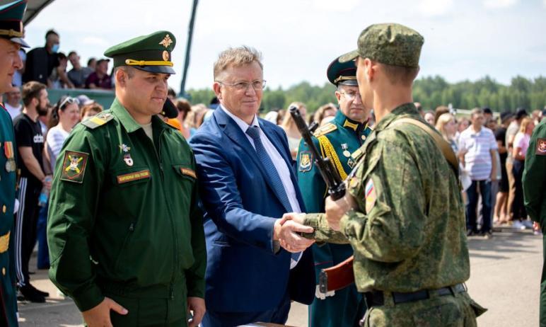 В ходе военных сборов в Чебаркульском гарнизоне (Челябинская область) 370 слушателей военного уче