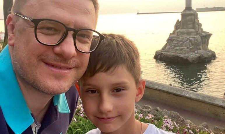 Губернатор Челябинской области Алексей Текслер вместе с семьей провел небольшой