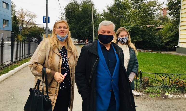 Председатель Законодательного собрания Челябинской области Владимир Мякуш не изм