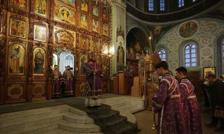 В понедельник, 27 сентября, православные отмечают праздник Воздвижения Честного и Животворящего К