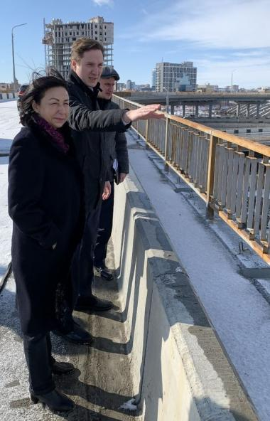 Глава Челябинска Наталья Котова сегодня, 17-го марта, побывала на месте строительства путепровода