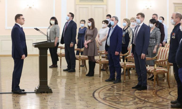 В среду, 16 декабря, в резиденции губернатора Челябинской области чествовали сотрудников учрежден