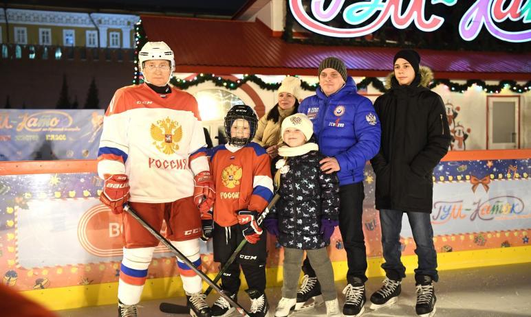 Президент России Владимир Путин исполнил желание девятилетнего участника Всероссийской акции «Ёлк
