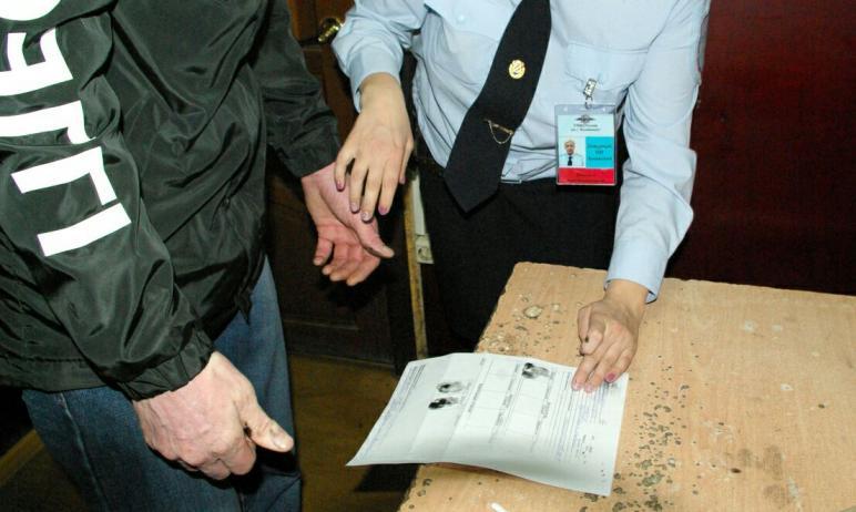 Сотрудники полиции Челябинска задержали мошенника, который, представляясь военнослужащим, крутил