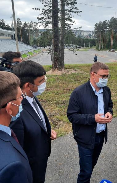 Губернатор Челябинской области Алексей Текслер раскритиковал сроки строительства лыжно-биатлонног