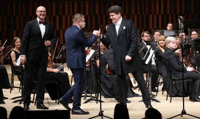 В Крещенский вечер, 19 января, Челябинский симфонический оркестр под управлением заслуженного арт