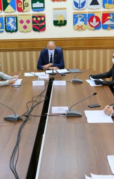 Депутаты комитета Законодательного собрания Челябинской области по строительной политике и жилищн