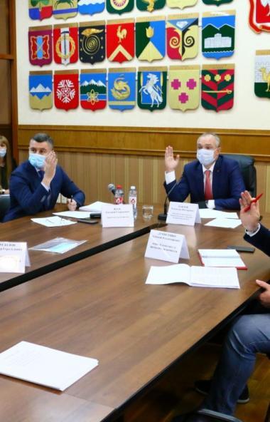 В четверг, 22 октября, состоялось первое заседание комитета Законодательного Собрания Челябинской