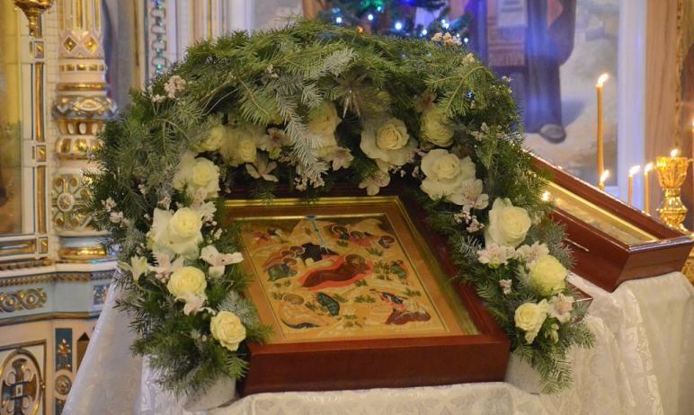 Сегодня, восьмого января, православные отмечают Собор Пресвятой Богородицы. В этот день особо про