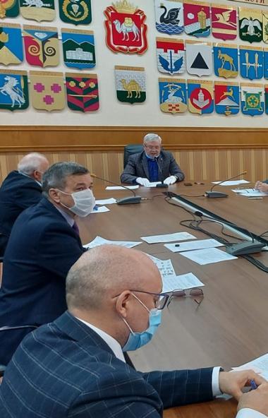 Председатель Законодательного Собрания Челябинской области Владимир Мякуш провел рабочее совещани