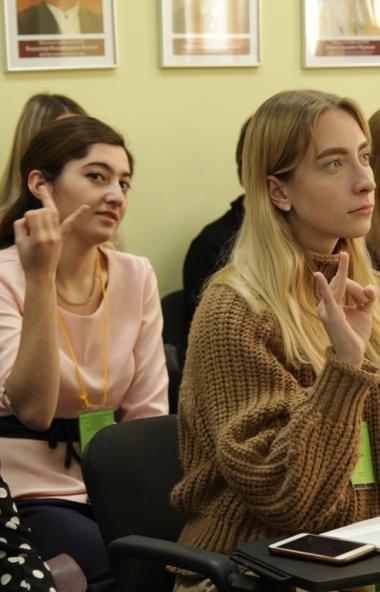 С 19 марта в Челябинской области вводится свободное посещение занятий в школах.  Об этом