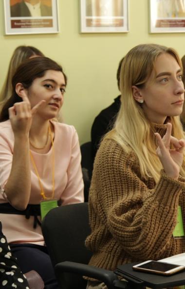 С понедельника, шестого апреля, в Челябинской области начнется вещание регионального школьного ин
