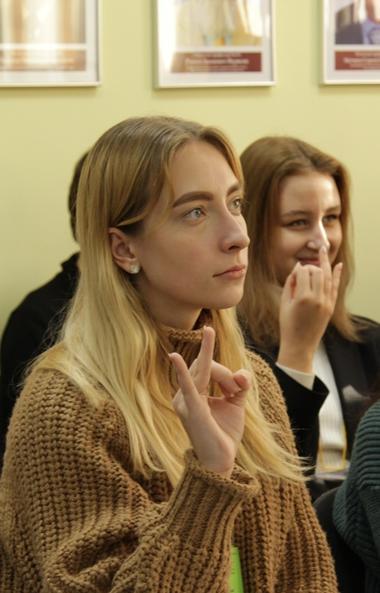 С 12 чая школьники и студенты Челябинской области продолжат учиться в дистанционном формате. Искл
