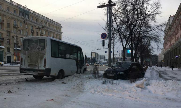 В Челябинске выясняются подробности аварии маршрутного такси, следовавшего из Копейска (Челябинск
