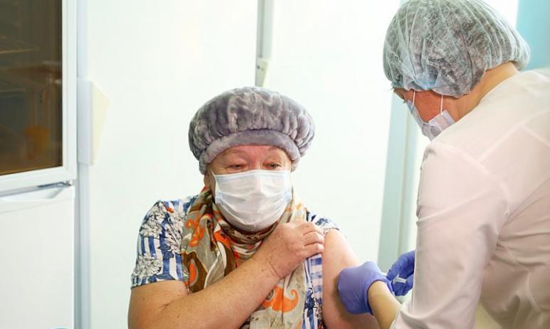 Жители Челябинской области в возрасте 65 лет и старше, имеющие хронические заболевания, могут вак