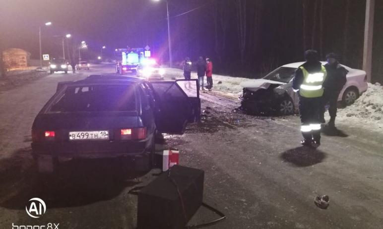 В Челябинской области минувшей ночью в результате столкновения двух автомобилей на М-5 один челов