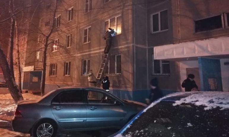 В Челябинске следователи разбираются в причинах гибели мужчины и женщины, тела которых пожарные н