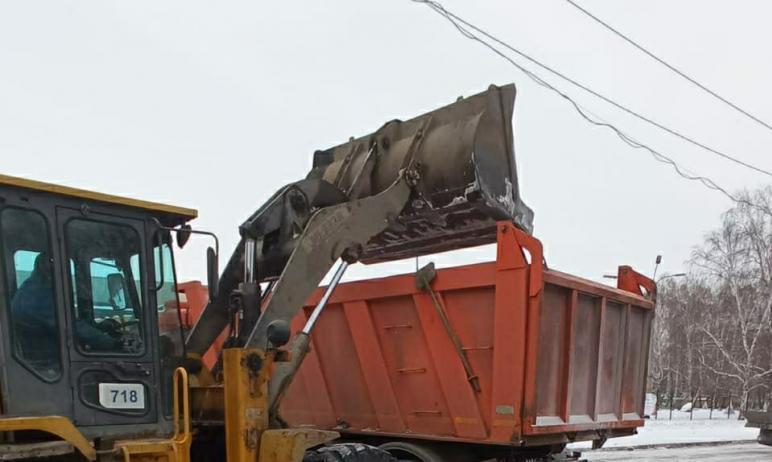 В Челябинской области в ночь с четвертого на пятое января очисткой региональных дорог от снега за