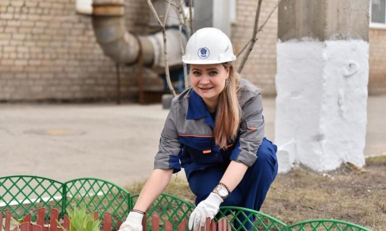 Традиционный весенний субботник провели в начале мая работники Челябинского цинкового завода, вхо