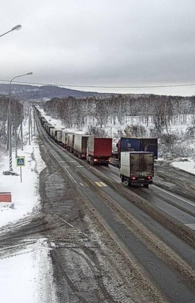 Все дорожные и коммунальные службы Челябинска мобилизованы на очистку улиц от выпавшего минувшей
