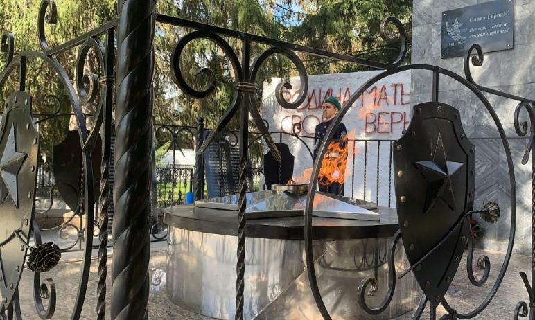 В преддверии 76-й годовщины Великой Победы над фашисткой Германией в центре села Еткуль (Челябинс