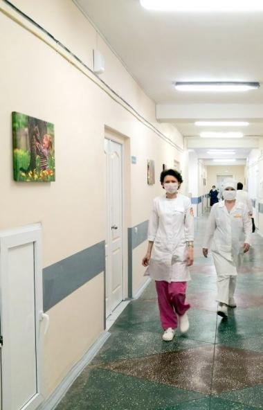 Больницы Челябинской области получают от неравнодушных промышленников, депутатов гуманитарную пом