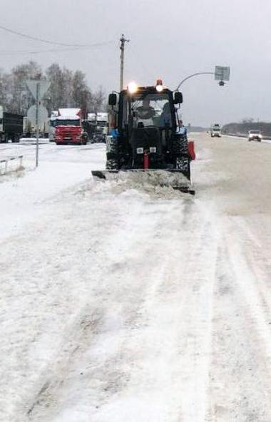 Более 200 единиц техники занимались очисткой дорог регионального значения в Челябинской области в