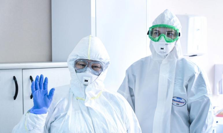 В Челябинской области в ковидных госпиталях и на дому продолжает лечение четыре тысячи 51 пациент