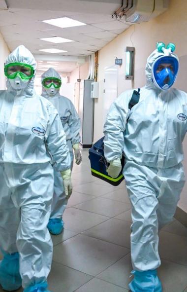 Порядка 100 человек закрыли на карантин в горбольнице Златоуста, где выявлен очаг коронавируса