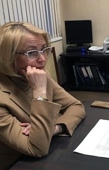 Первый заместитель губернатора Челябинской области Ирина Гехт оказала помощь сразу нескольким жит