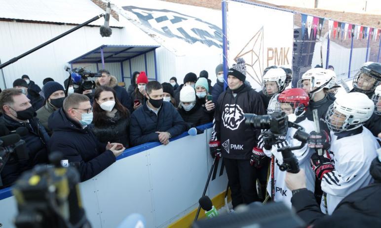 Новый хоккейный корт под открытым небом открылся на стадионе «Горняк» в Коркино (Челябинская обла