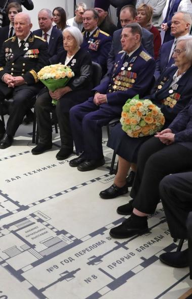 Ветераны Великой Отечественной войны и труженики тыла получат повышенные выплаты к 75-летию Побед