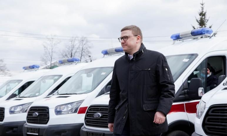 Медицинский автопарк Челябинской области пополнился 60 легковыми автомобилями скоройпомощи