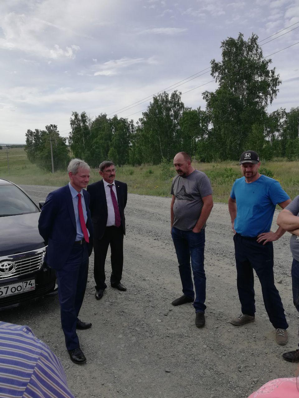 Жители Уйского района Челябинской области в выходные пожаловались главе региона Алексею Текслеру