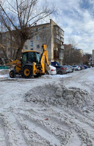 Жители Челябинска в круглосуточном режиме могут сообщать о фактах некачественной уборки улично-до