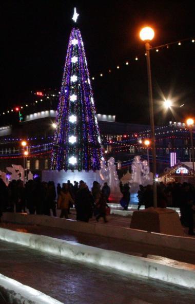 В пятницу, 17 января, в День рождения Челябинской области закрыли все горки в ледовом городке на