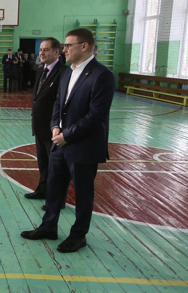 Губернатор Челябинской области Алексей Текслер распорядился провести капитальный ремонт школы №7